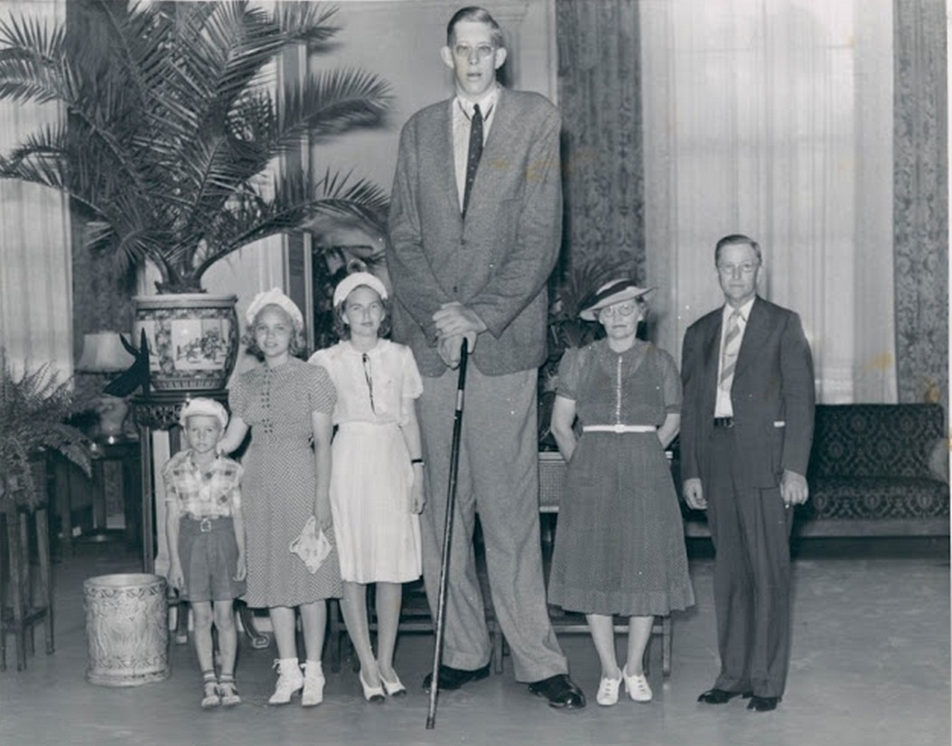 Robert Wadlow and family
