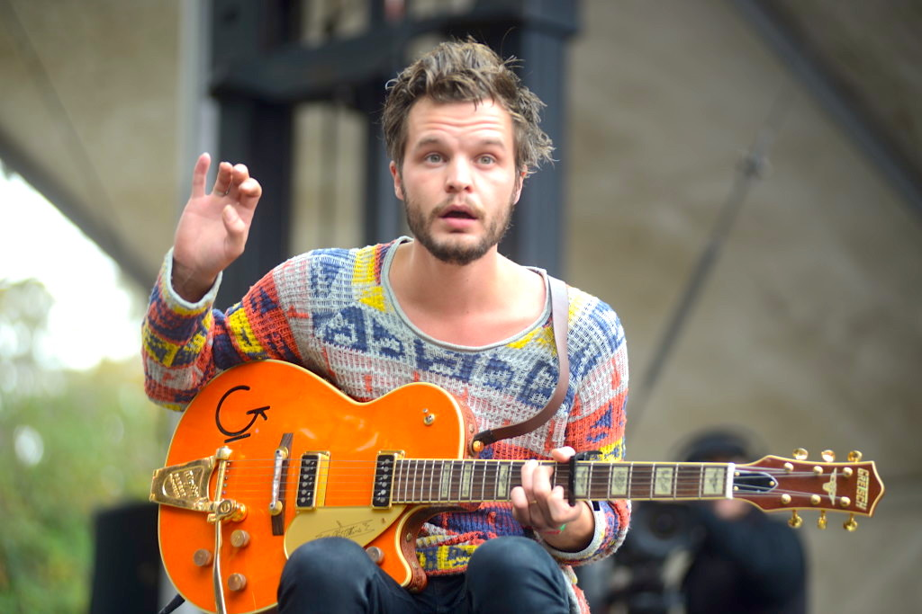 The Tallest Man On Earth: A Quick Guide to his Life and Music Career
