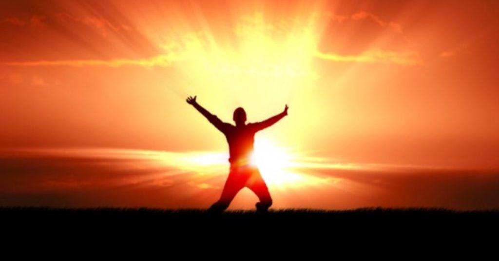 victory-man-sun
